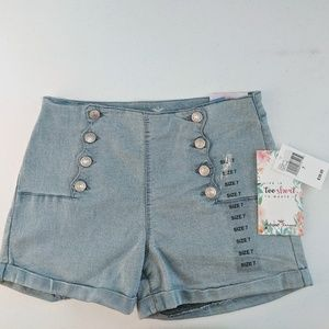 Almost Famous junior shorts